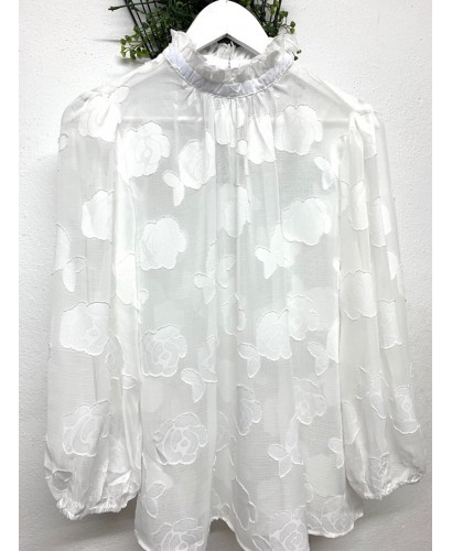 Blusa gasa blanca.