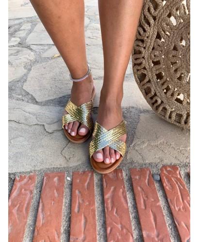 Sandalia tiras dorado